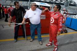 Juan Pablo Montoya met team