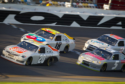 Joey Logano, Joe Gibbs Racing Toyota, Kyle Busch, Joe Gibbs Racing Toyota, Kasey Kahne, Hendrick Motorsports Chevrolet