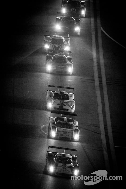 Race actie 's nachts