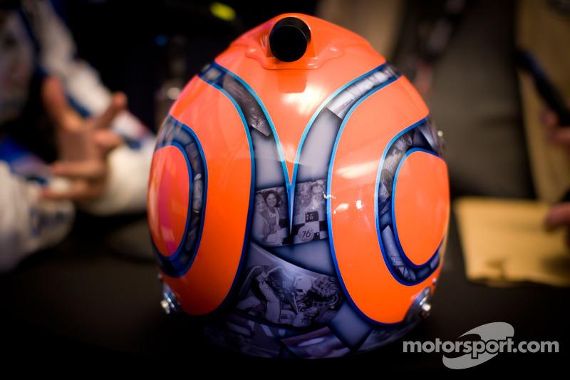 Helm van Nelson A. Piquet, Kevin Harvick, Inc. Chevrolet