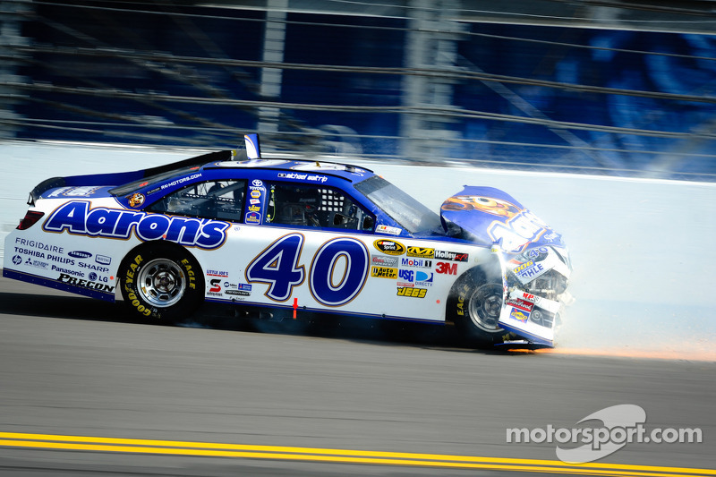 Michael Waltrip, Michael Waltrip Racing Toyota crashes