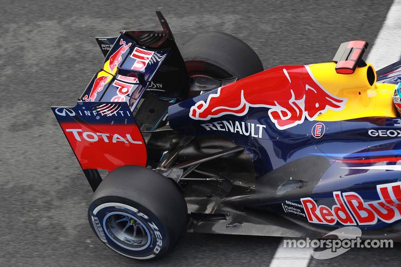 Sebastian Vettel, Red Bull Racing achtervleugel en uitlaat