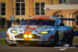 Aston Martin Racing Aston Martin Vantage V8: Darren Turner, Stefan Mücke, Adrian Fernandez