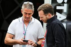 Мик Дуэн и руководитель Red Bull Racing Кристиан Хорнер