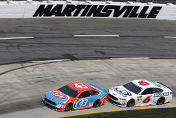 Aric Almirola, Richard Petty Motorsports Ford, Trevor Bayne, Roush Fenway Racing Ford