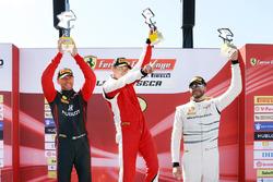 Trofeo Pirelli Podyum: Yarış galibi  Peter Ludwig, 2. Martin Fuentes, third place Cooper MacNeil