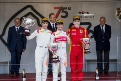 Podium: race winner Nyck De Vries, Rapax, second place Johnny Cecotto, Rapax, third place Gustav Malja, Racing Engineering