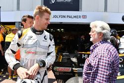 Nico Hulkenberg, Renault Sport F1 Team RS17 and George Lucas