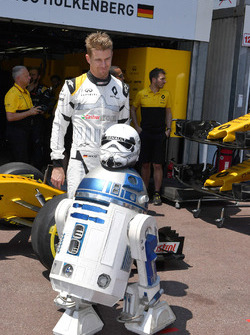 Nico Hulkenberg, Renault Sport F1 Team RS17 and R2D2
