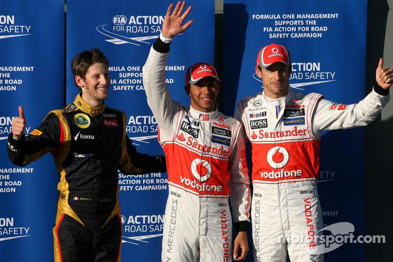 Ganador de la pole position Lewis Hamilton, McLaren Mercedes, segundo Jenson Button, McLaren Merced