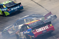 Trouble for Kasey Kahne, Hendricks Motorsports Chevrolet and Carl Edwards, Roush-Fenway Ford