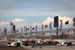 Tristan Vautier, Sam Schmidt Motorsports leads the field