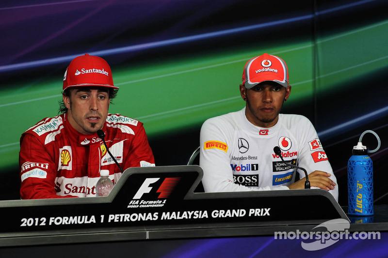 Fernando Alonso, Ferrari en Lewis Hamilton, McLaren in de FIA persconferentie