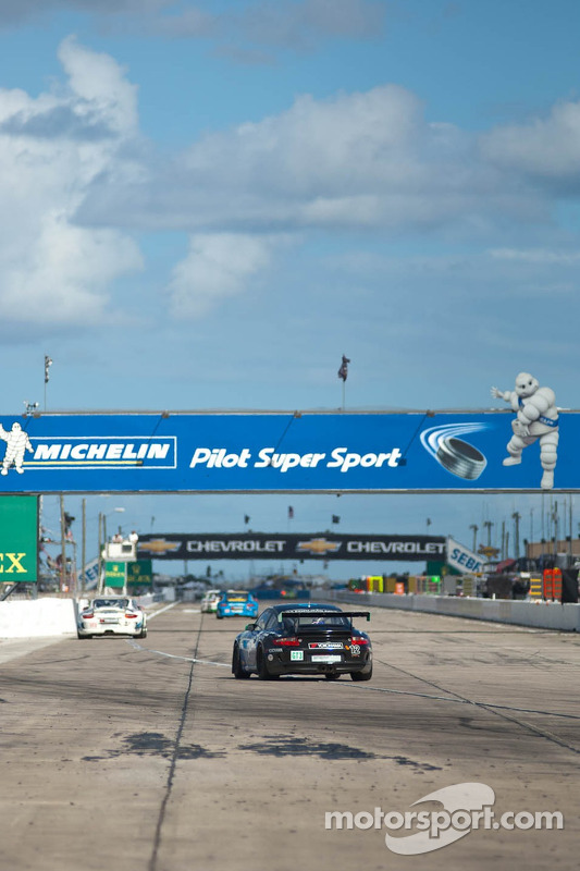 #12 Competition Motorsports Porsche GT3 Cup: David Calvert-Jones