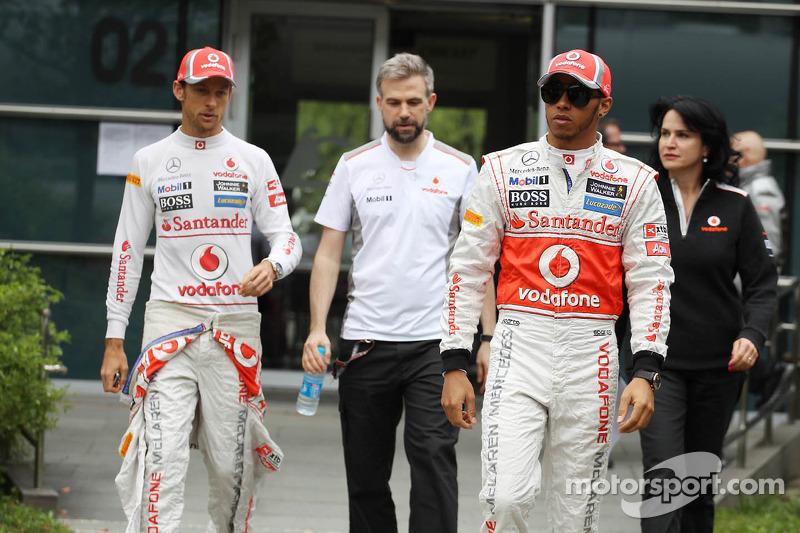 Jenson Button, McLaren Mercedes en ploegmaat Lewis Hamilton, McLaren Mercedes