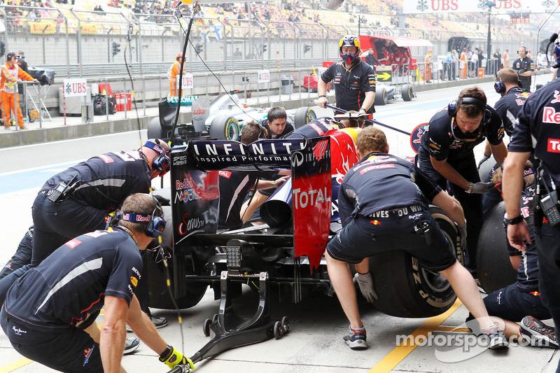 Sebastian Vettel, Red Bull Racing pitstop