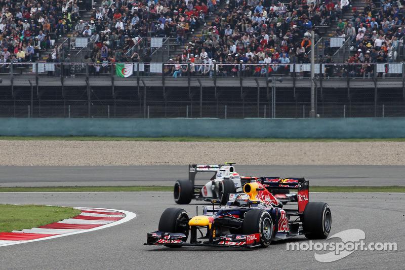 Sebastian Vettel, Red Bull Racing voor Sergio Perez, Sauber