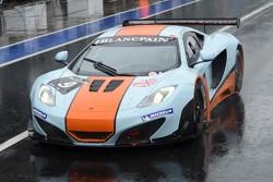 #9 Gulf Racing UK McLaren MP4-12C GT3: Mike Wainwright, Rob Bell