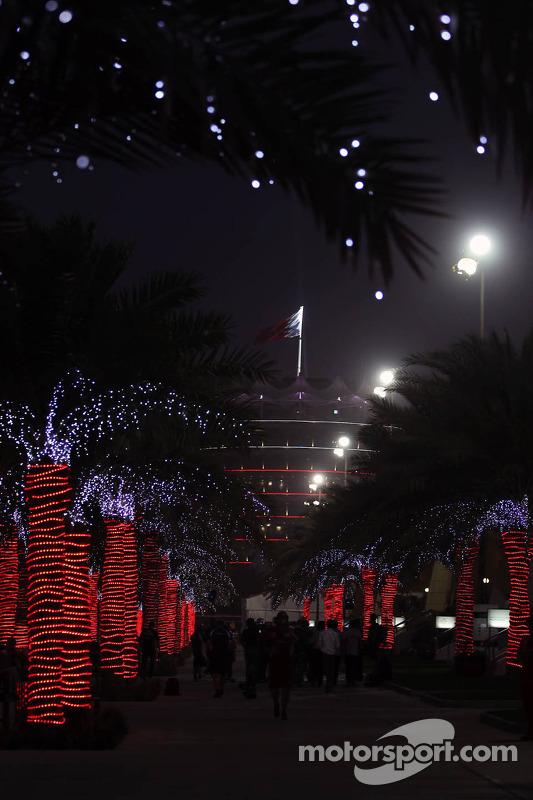 De paddock 's nachts
