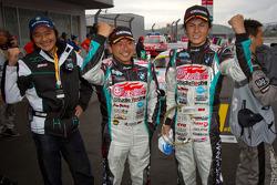 GT300 winners Tatsuya Kataoka and Nobuteru Taniguchi