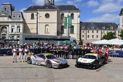 №54 Spirit of Race Ferrari 488 GTE: Томас Флор, Франческо Кастеллаччи, Оливье Беретта; №55 Spirit of Race Ferrari 488 GTE: Данкан Кэмерон, Аарон Скотт, Марко Чьочи