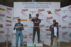 Podio Rookie Gara 2: il primo classificato Leonardo Lorandi, Baithech; il secondo classificato Giorgio Carrara, Jenzer Motorsport; il terzo classificato Felipe Branquinho De Castro, DR Formula