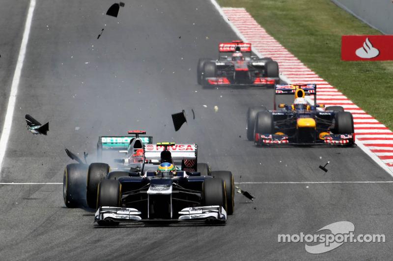 Самой яркой аварией гонки стало столкновения Михаэля Шумахера и Бруно Сенны. Вряд ли нужно объяснять, кто в кого въехал