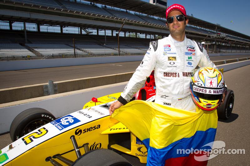 Pole winner Gustavo  Yacaman, Team Moore Racing celebrates