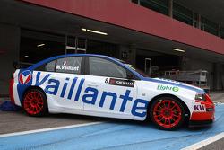 Alain Menu speelt Michel Vaillant met Chevrolet Vaillant
