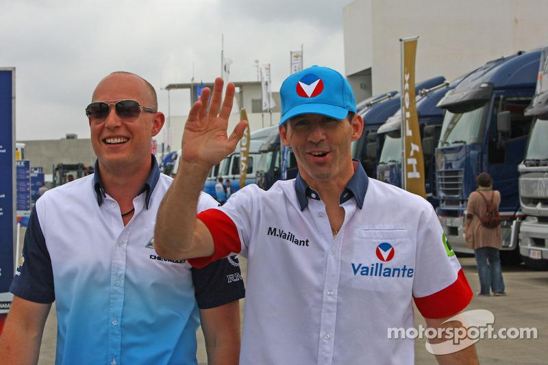 Robert Huff, Chevrolet Cruze 1.6T, Chevrolet en Alain Menu, die Michel Vaillant speelt met Chevrolet Vaillant