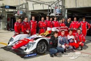 Photoshoot with #19 Sébastien Loeb Racing Oreca 03 Nissan: Sébastien Loeb, Nicolas Marroc, Jean-Karl Vernay