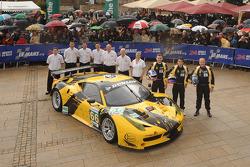 #66 JMW Motorsport Ferrari 458 Italia: Jonny Cocker, James Walker, Roger Wills