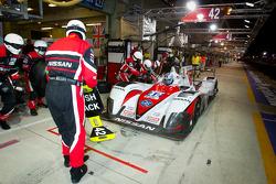 Pit stop for #42 Greaves Motorsport Zytek Z11SN Nissan: Alex Brundle, Martin Brundle, Lucas Ordonez