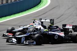 Bruno Senna, Williams leads Sergio Perez, Sauber
