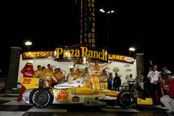 Victory lane: winnaar Ryan Hunter-Reay, Andretti Autosport Chevrolet