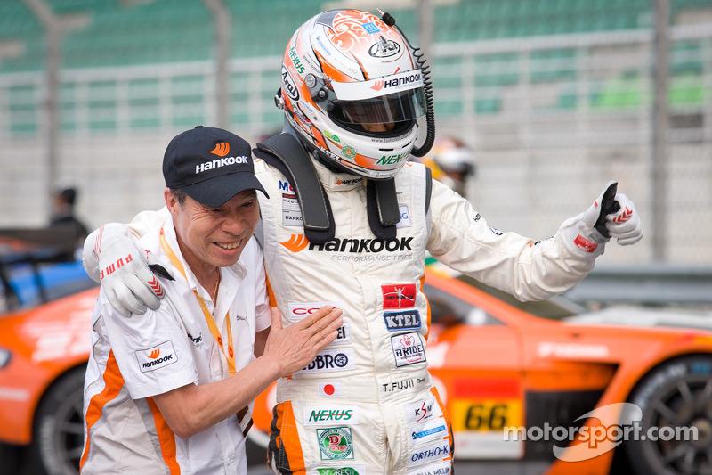 GT300 winnaar Tomonobu Fujii