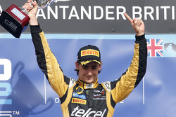 Podio: ganador de la carrera Esteban Gutiérrez