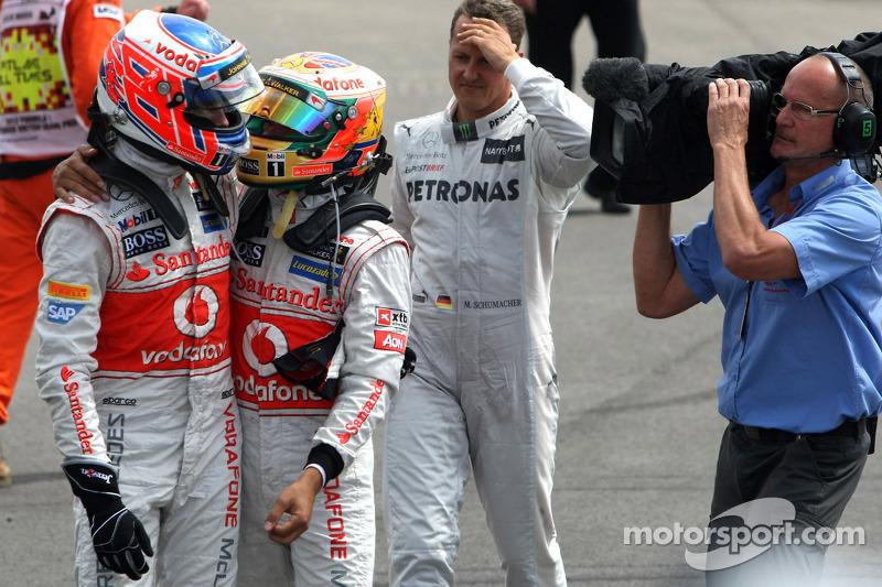Jenson Button, McLaren Mercedes y Lewis Hamilton, McLaren Mercedes, parc ferme