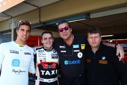 Pepe Oriola, SEAT Leon WTCC, Tuenti Racing Team, Norbert Michelisz, BMW 320 TC, Zengo Motorsport