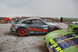 #47 Porsche GT3R: Romain Dumas under the snow