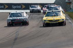 Brian Scott, Joe Gibbs Racing Toyota, Kasey Kahne, Turner Motorsports Chevrolet