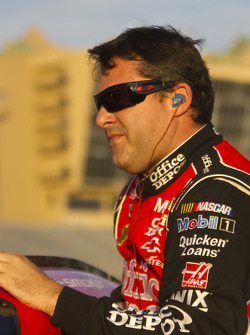 Pole winner Tony Stewart, Stewart-Haas Racing Chevrolet