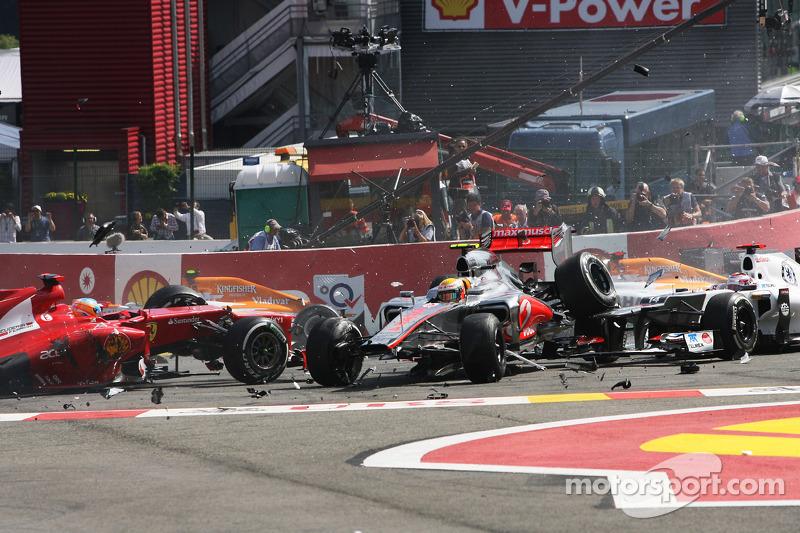 F1 2012 - Belga Nagydíj - startbaleset