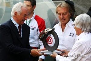 Alberto Bombassei, Brembo CEO presents Bernie Ecclestone, CEO Formula One Group, with a special Brembo brake to commemorate the 50th anniversary of the company