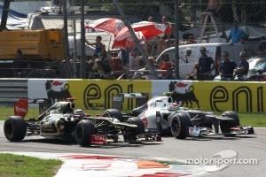 Kimi Raikkonen, Lotus Renault F1 Team and Sergio Perez, Sauber F1 Team