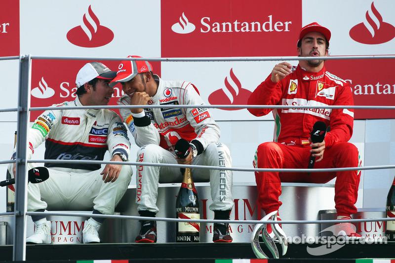 2012. Подіум: 1. Льюіс Хемілтон, McLaren-Mercedes. 2. Серхіо Перес, Sauber-Ferrari. 3. Фернандо Алонсо, Ferrari