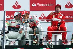 Подіум: 1. Льюіс Хемілтон, McLaren-Mercedes. 2. Серхіо Перес, Sauber-Ferrari. 3. Фернандо Алонсо, Ferrari