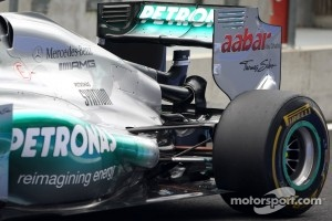 Mercedes GP test the DSR