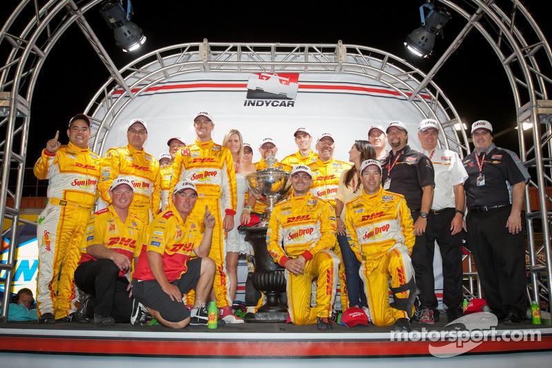 IndyCar Series 2012 kampioen Ryan Hunter-Reay, Andretti Autosport Chevrolet viert met Michael Andret