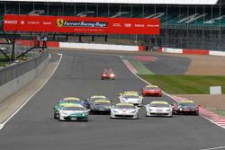 Round 6 Race 1 Ferrari Trofeo Pirelli start